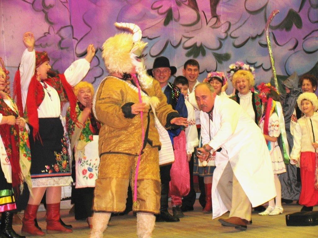Традиционное празднование Рождества Христова. Большой праздничный концерт 'Рождественская карусель'
