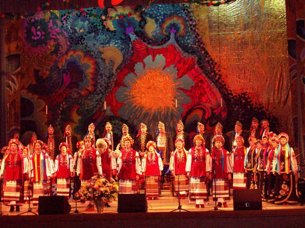 Праздничный концерт в честь 15-летия ансамбля 'Червона калина'